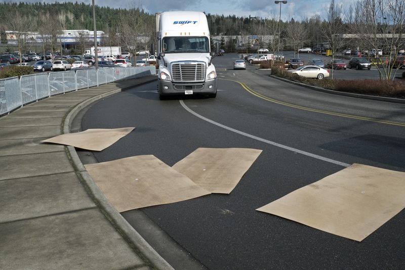 Trucks-Route-9-Costco-intersection-1